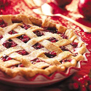 Home-Style Cran-Raspberry Pie