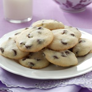 Kris Humphries' Mom's Small Chocolate Chip Butter Cookies
