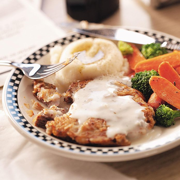 Makeover Country Fried Steak Exps47354 Thhc1785930d21 Rms 3