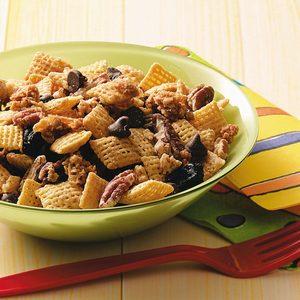 Maple-Pecan Snack Mix