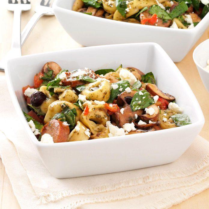 Mediterranean Tortellini Salad Exps156021 Sd132778b04 12 3bc Rms 5