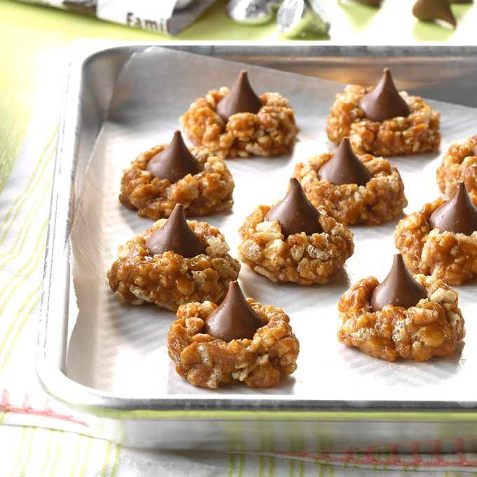 No-Bake Cookie Butter Blossoms
