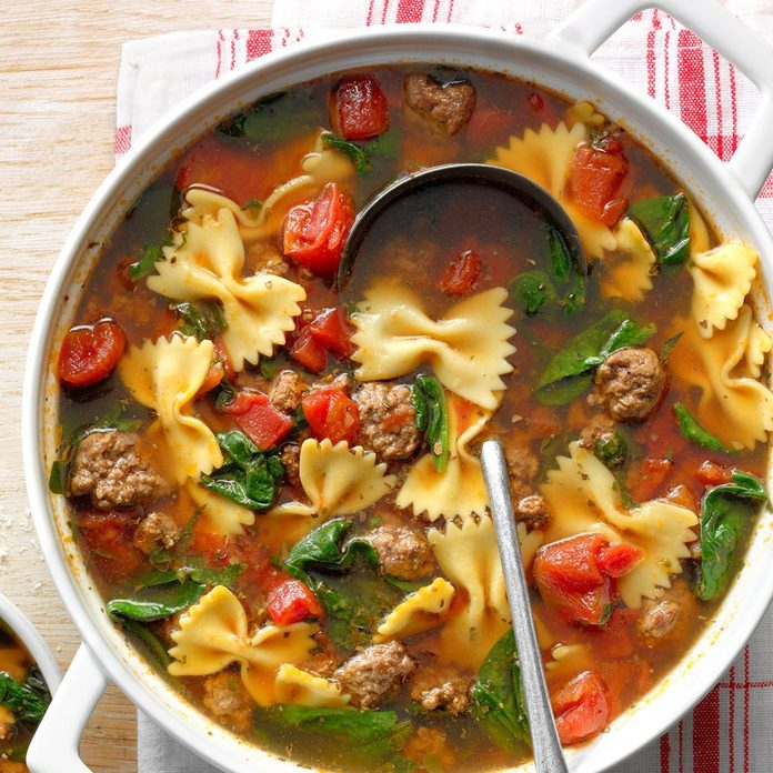 One Pot Spinach Beef Soup Exps Cscsbz19 159230 C04 05 1b 3