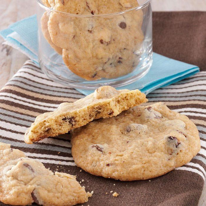 Oregon: Oregon's Hazelnut Chocolate Chip Cookie
