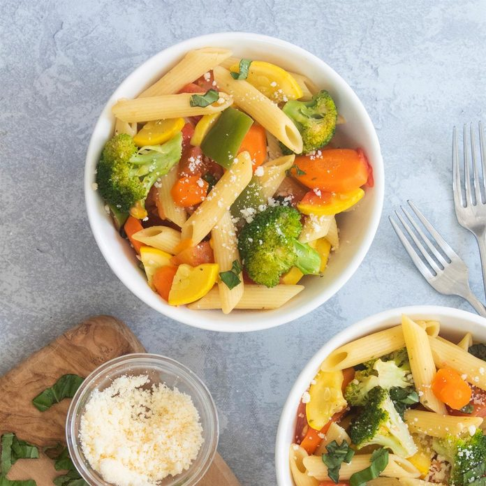 Pasta With Fresh Vegetables Exps Ft20 38123 F 0512 1 Home 3