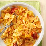Pasta with Roasted Garlic & Tomatoes