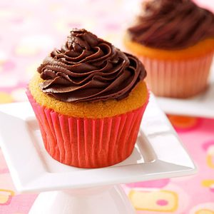 Peanut Butter Cupcakes with Creamy Chocolate Frosting