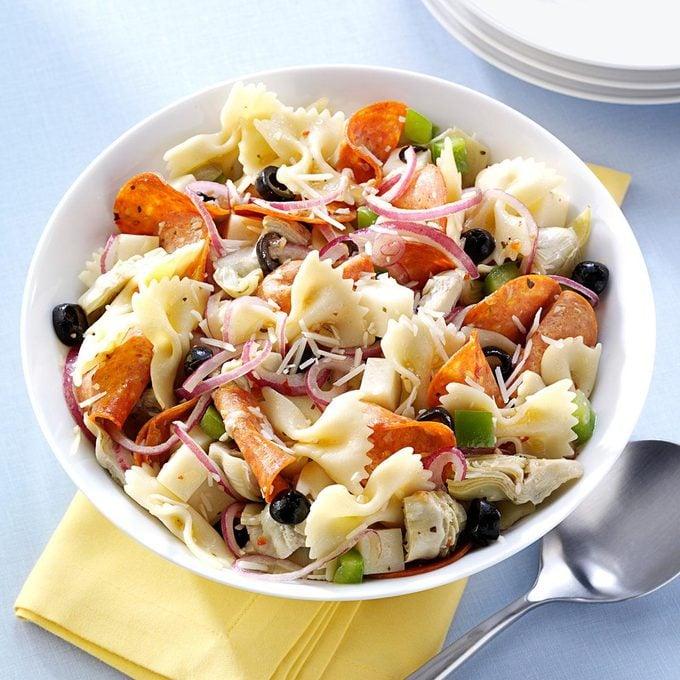 Pepperoni Artichoke Pasta Salad Exps31637 Sd2401784a10 14 3bc Rms 1