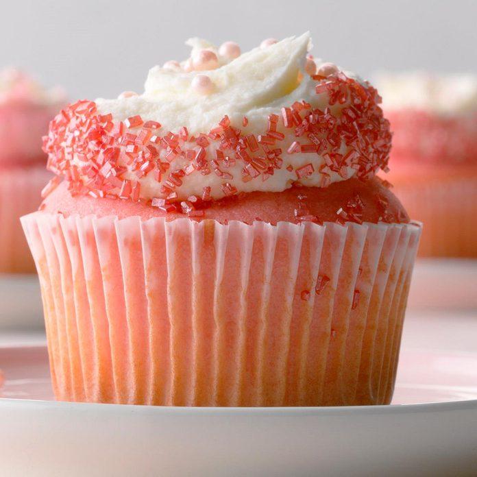 Pink Velvet Cupcakes Exps Gbdbz20 36503 B01 09  5b 1