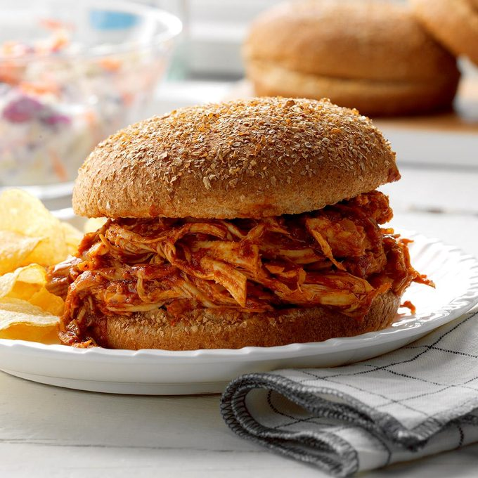 Pulled Chicken Sandwiches Exps Scmbz17 132312 B01 12 5b 1