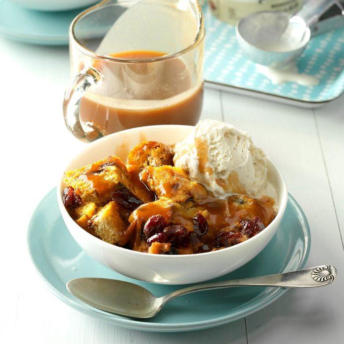 Pumpkin Cranberry Bread Pudding Exps Thca17 49355 D03 17 3b 3