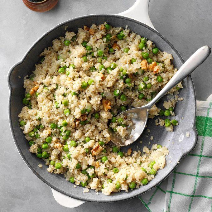 Quinoa With Peas And Onion Exps Sdam19 46330 E12 04 10b 2
