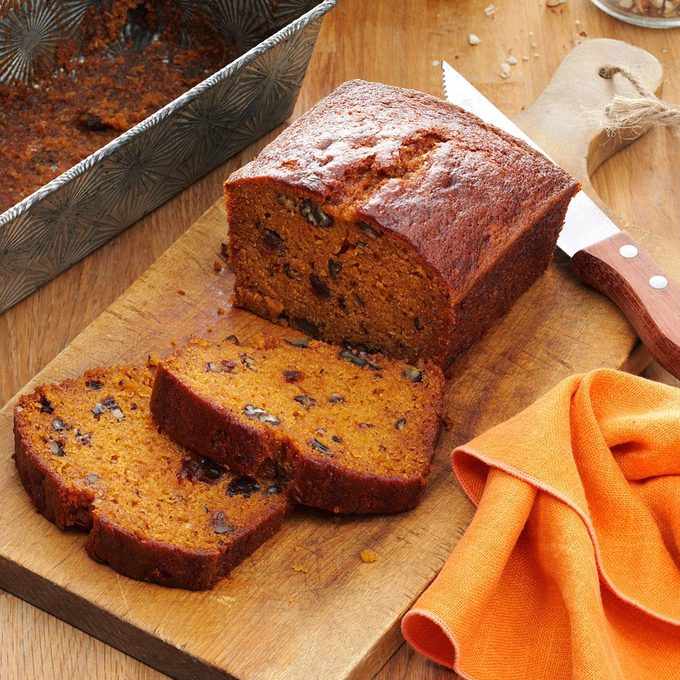 Raisin Filled Pumpkin Spice Bread Exps4304 Bhr133210b05 21 4b Rms 1