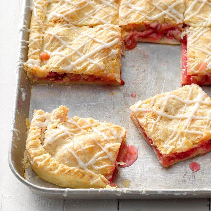 Raspberry Rhubarb Slab Pie Exps Cwam18 149426 B12 13 4b 4