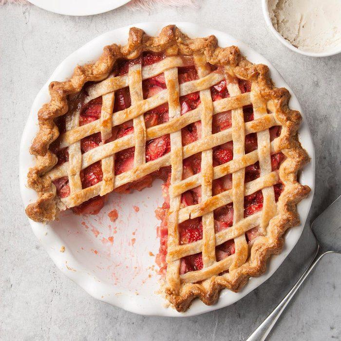 Rhubarb Strawberry Pie Exps Ft19 1277 F 0716 2 12