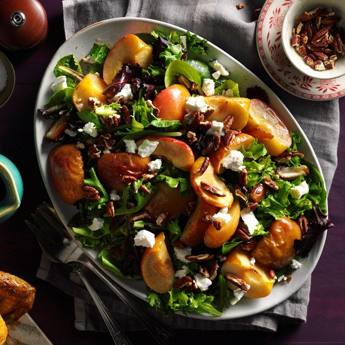 Roasted Apple Salad With Spicy Maple Cider Vinaigrette Exps Mcmz16 177878 B07 12 1b 7
