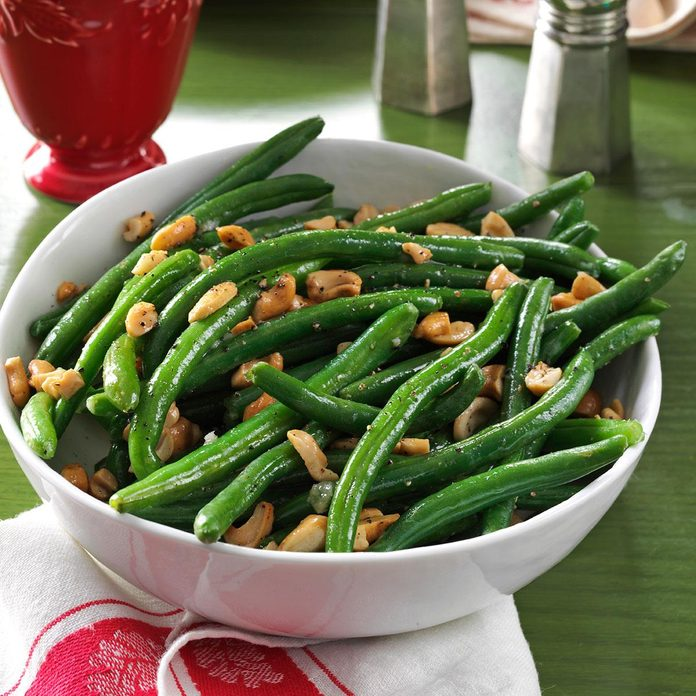 Roasted Garlic Green Beans with Cashews