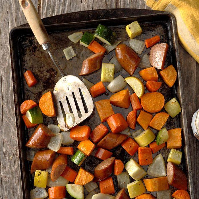 Roasted Kielbasa Vegetables Exps Opbz18 165743 B06 27 3b