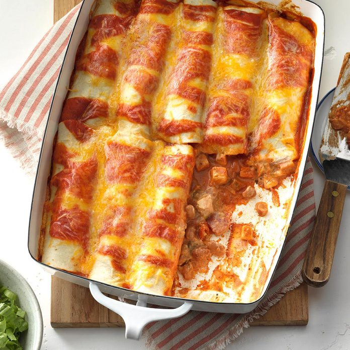 Simple Chicken Enchiladas Exps Mrrmz16 32264 D09 09 4b 8