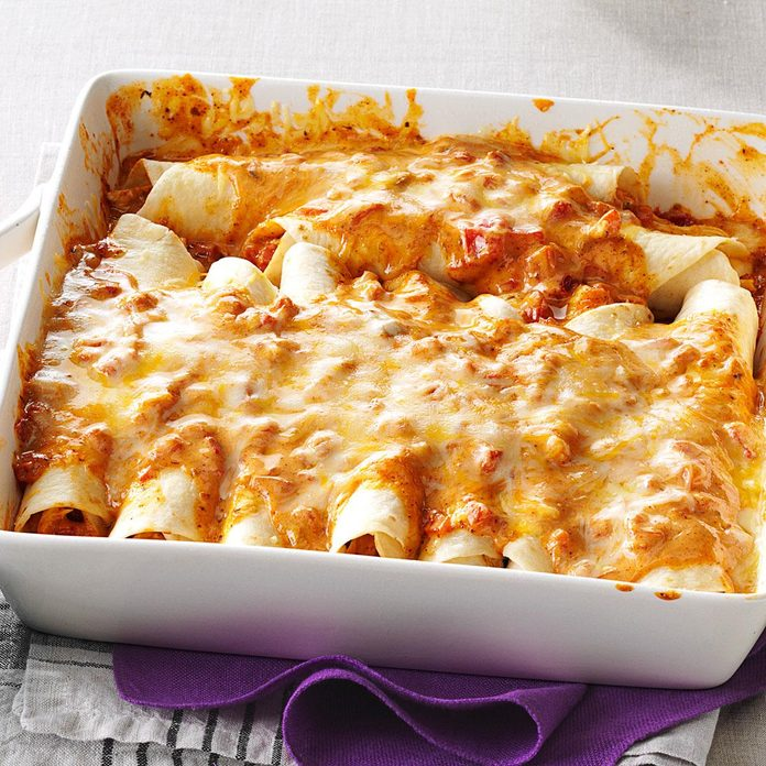 Simple Creamy Chicken Enchiladas Exps84601 Ufz133197b04 18 1bc Rms 5