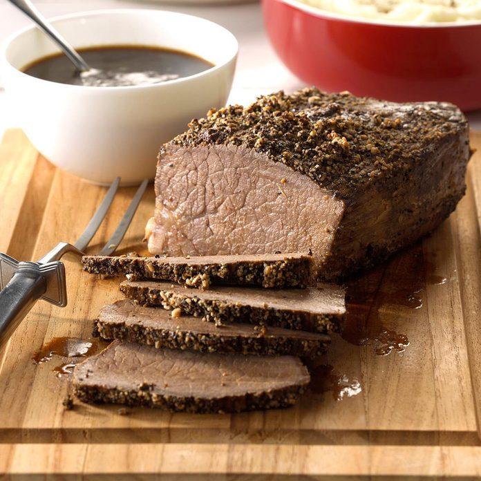 Sirloin Roast With Gravy Exps Hca17 32916 C03 15 6b 6