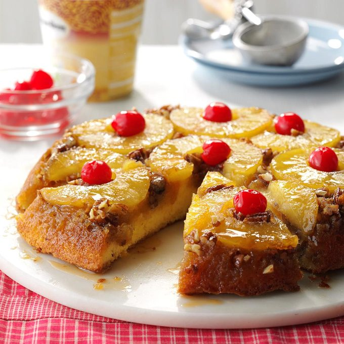 Skillet Pineapple Upside Down Cake Exps Fbmz16 6240 D05 31 2b 1