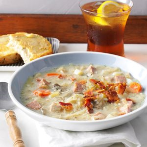 Slow-Cooked Sauerkraut Soup