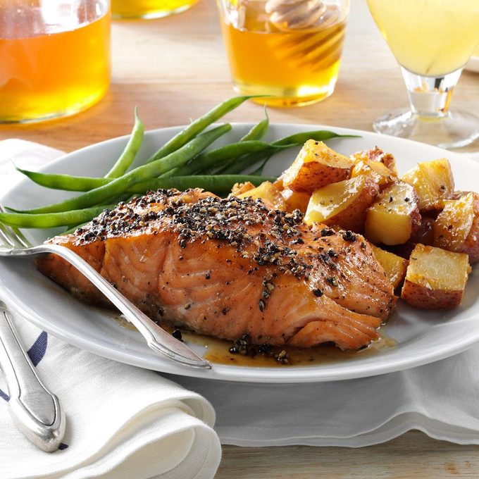 Smoked Honey Peppercorn Salmon Exps103940 Hc2847498a09 24 1bc Rms 1