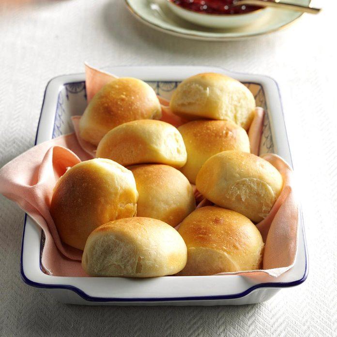 Soft Buttermilk Dinner Rolls