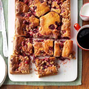 Spiced Cranberry Crisp Cake