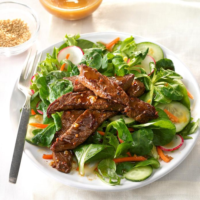 Spicy Mongolian Beef Salad Exps Sdjj17 86299 D02 10 3b 3