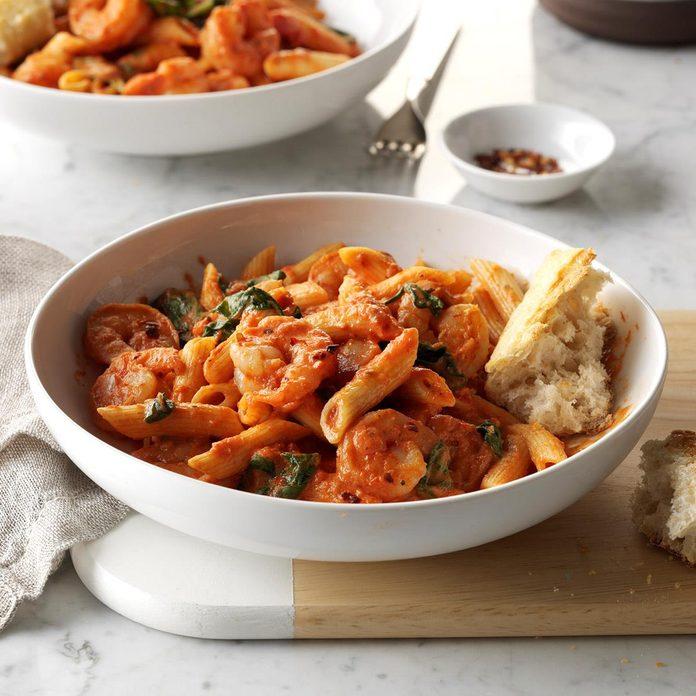 Spicy Shrimp Penne Pasta Exps Sddj17 180629 16 C08 03 6b 2