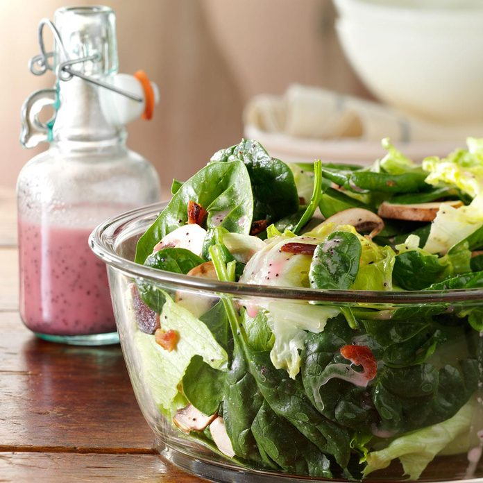 Spinach Salad With Poppy Seed Dressing Exps168897 Th132767b05 03 4b Rms 1