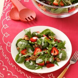 Strawberry & Glazed Walnut Salad