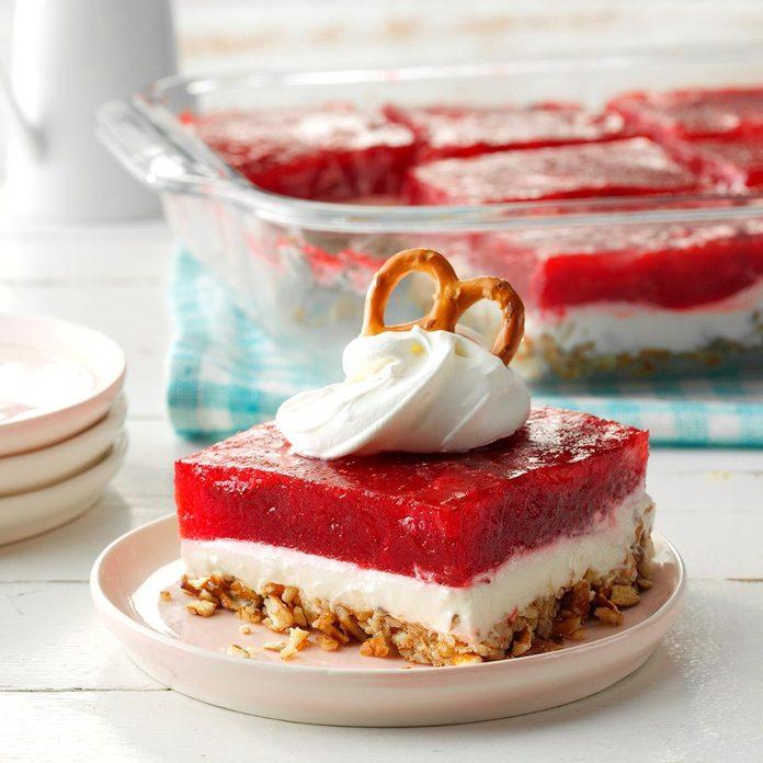 Strawberry Pretzel Dessert Exps Cpbz19 4444 E11 02 3b 4