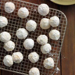 Sugared Date Balls