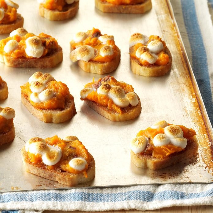 Sweet Potato Crostini Exps Sddj17 137070 C08 25 6b 4