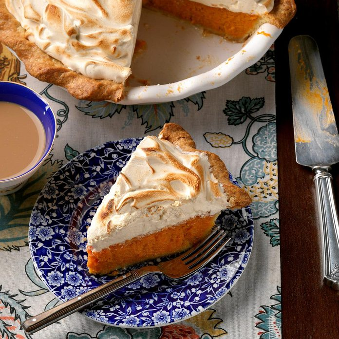 Sweet Potato Gingerbread Meringue Pie Exps Thn17 205462 D06 15 6b 3