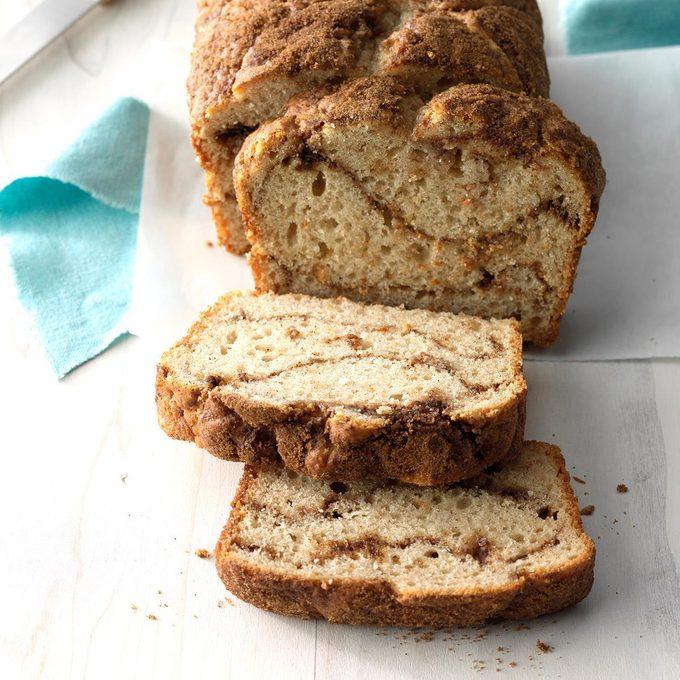 Swirl Cinnamon Bread Exps Hbmz18 135154 C07 12 3b 3