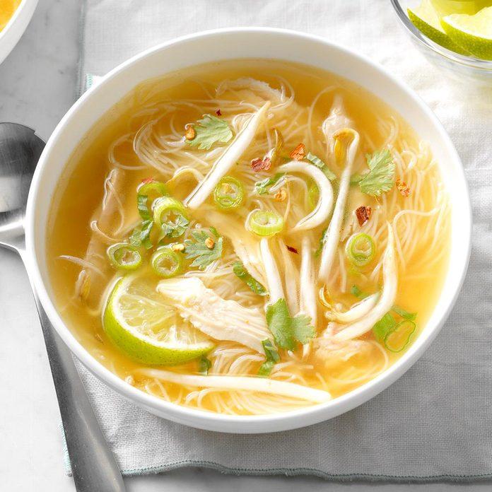 Thai Chicken Noodle Soup Exps Edsc17 196599 B03 16 4b 6