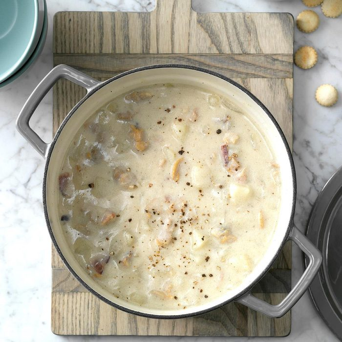 Traditional New England Clam Chowder