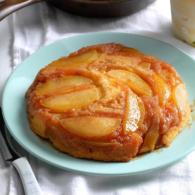 Upside Down Apple Cake With Butterscotch Topping Exps Srbz16 38376 B09 14 4b 7