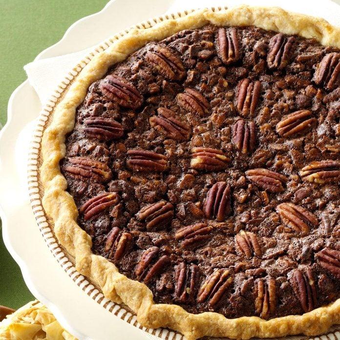 Velvety Chocolate Butter Pecan Pie