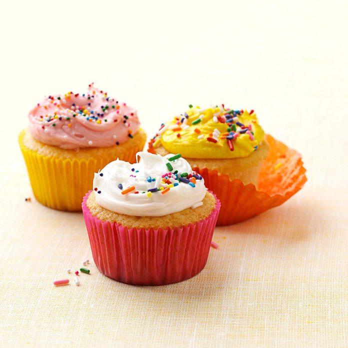 Very Vanilla Cupcakes Exps164667 Th2379807b11 07 4bc Rms 1