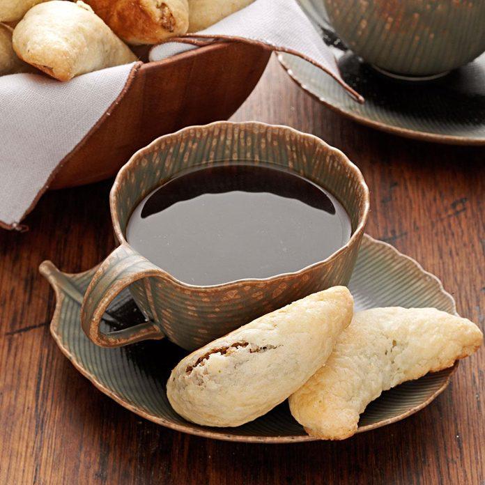Walnut Horn Cookies Exps9470 Cc2661980b04 06 2bc Rms 1