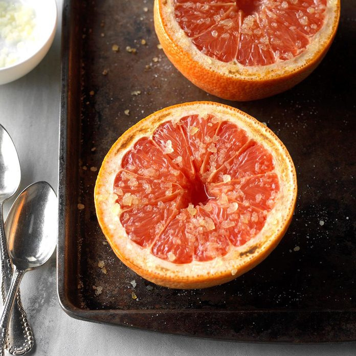 Warm Grapefruit With Ginger Sugar Exps Hck19 40553 C06 22 1b 3