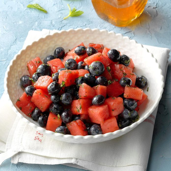 Watermelon Blueberry Salad Exps Thjj19 132371 B02 20 10b 3