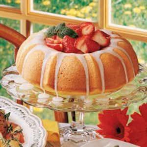 Berry-Filled Lemon Cake