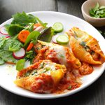 Cheesy Spinach-Stuffed Shells