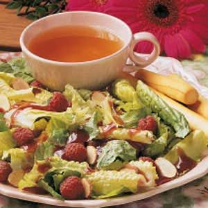 Almond-Raspberry Tossed Salad